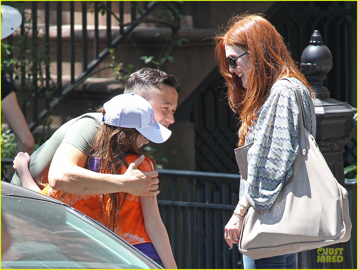 joseph gordon levitt julianne moore daughter 042680927