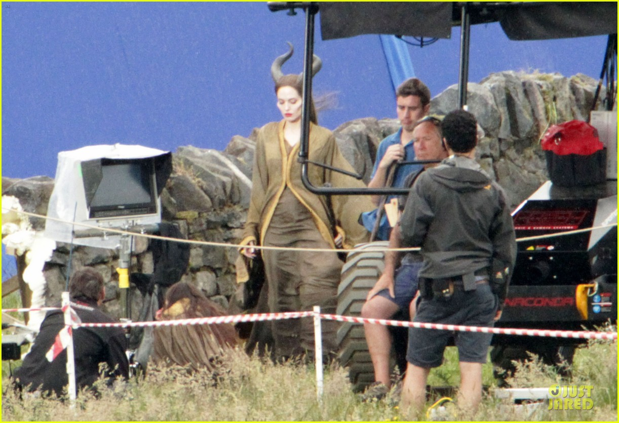 angelina jolie twins maleficent set 07