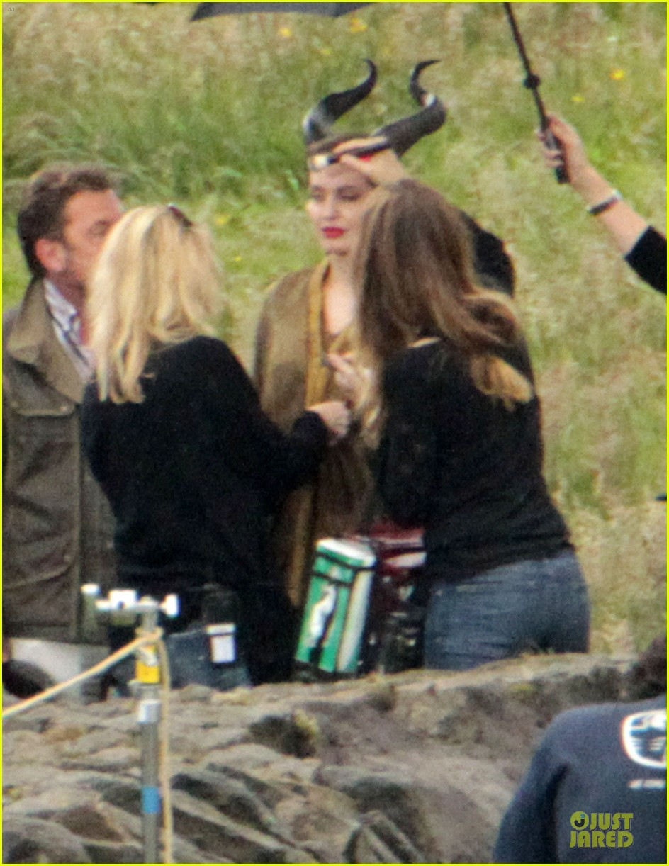 angelina jolie twins maleficent set 08