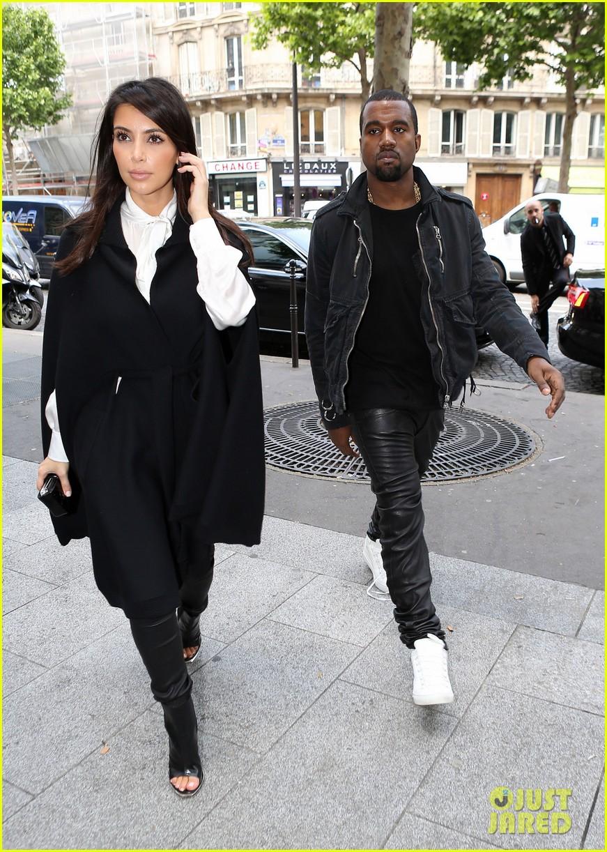 kim kardashian kanye west la villa couple 042677811