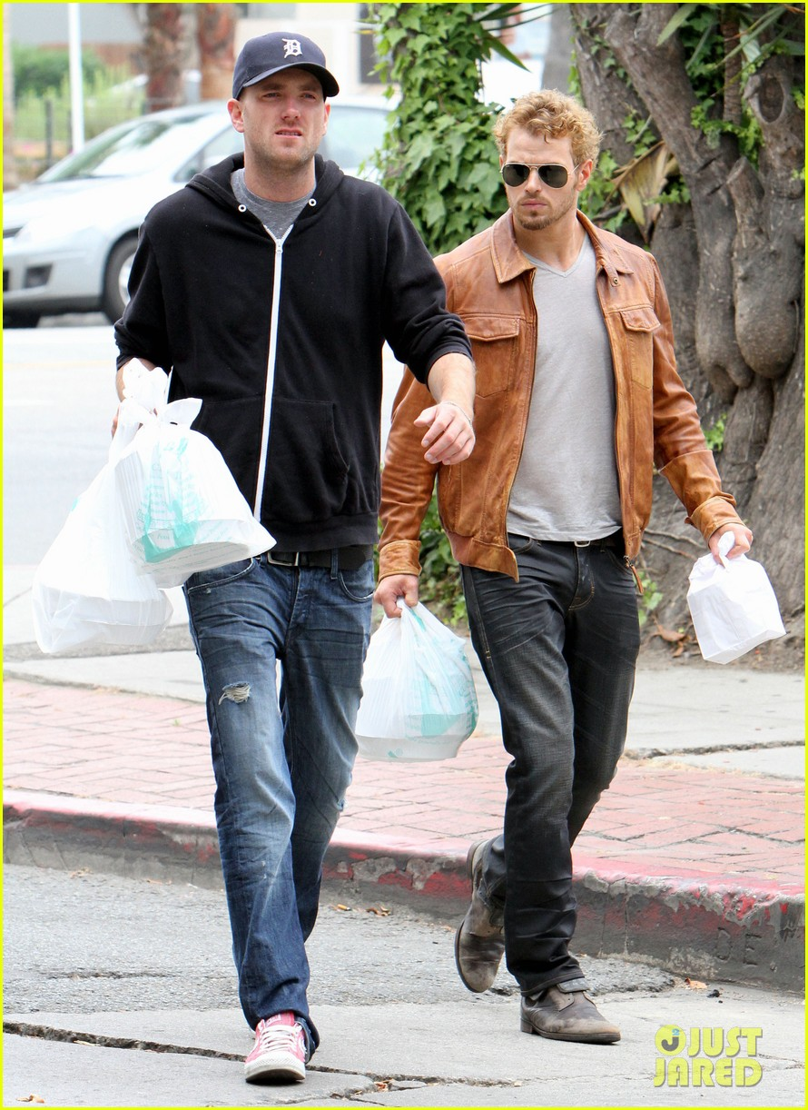 kellan lutz frustrated lunch bags 152680813