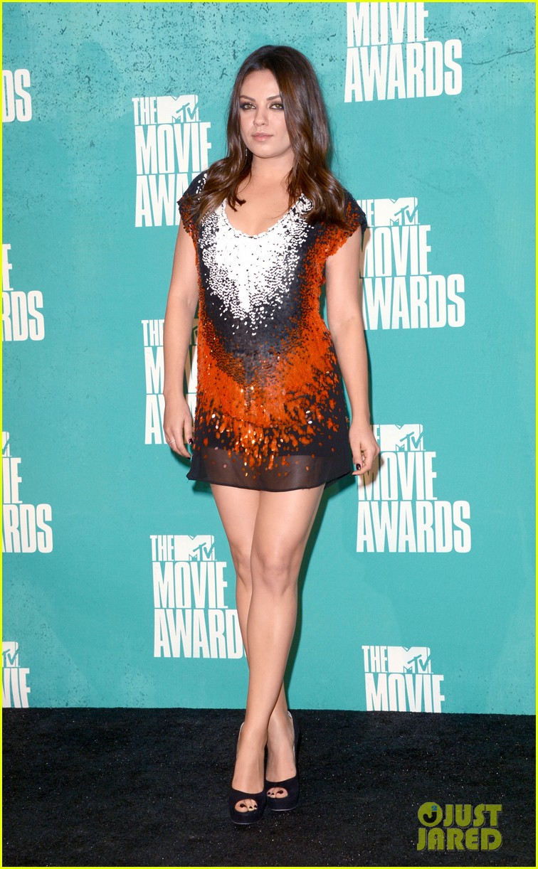 mila kunis mtv movie awards 2012 04
