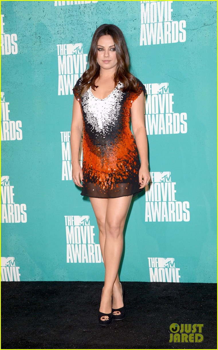 mila kunis mtv movie awards 2012 09