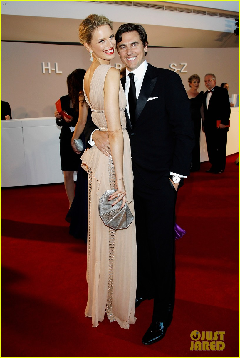 karolina kurkova rosenball with archie drury 02