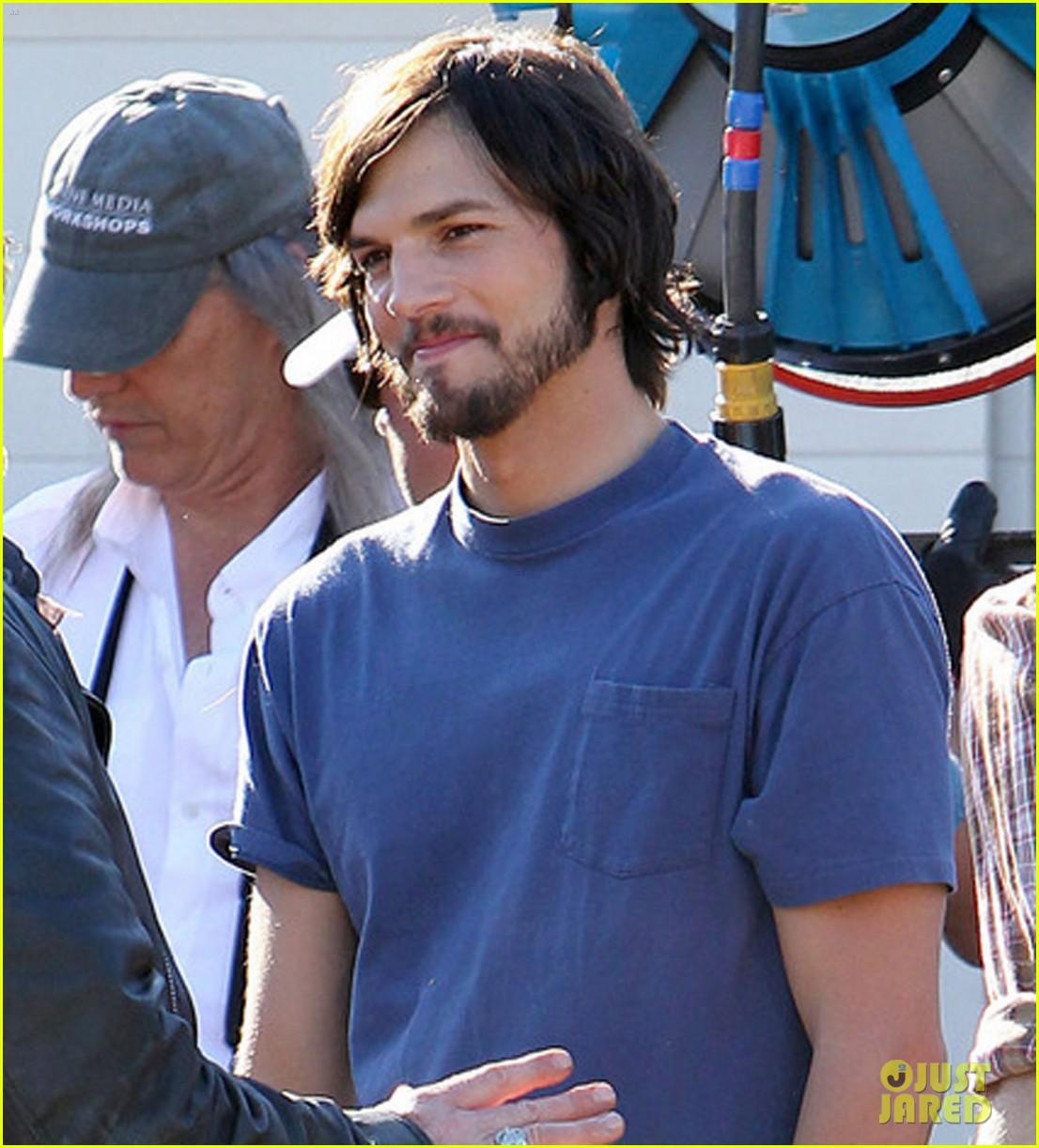 ashton kutcher filming for jobs 072674019