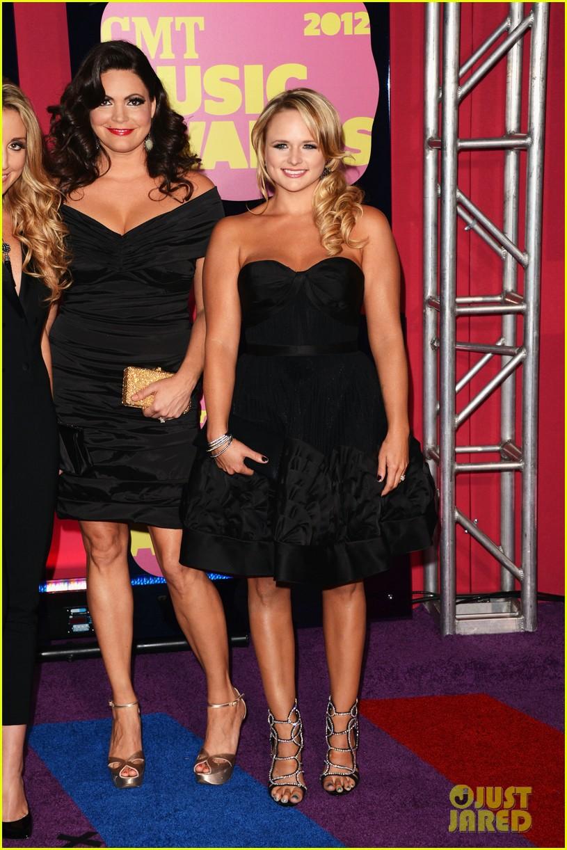 miranda lambert lady antebellum cmt awards 2012 012672102