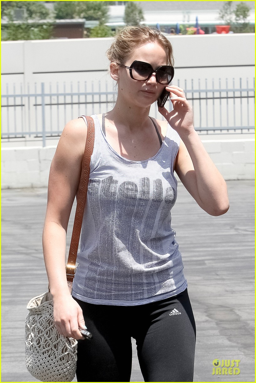 jennifer lawrence gym friend 02