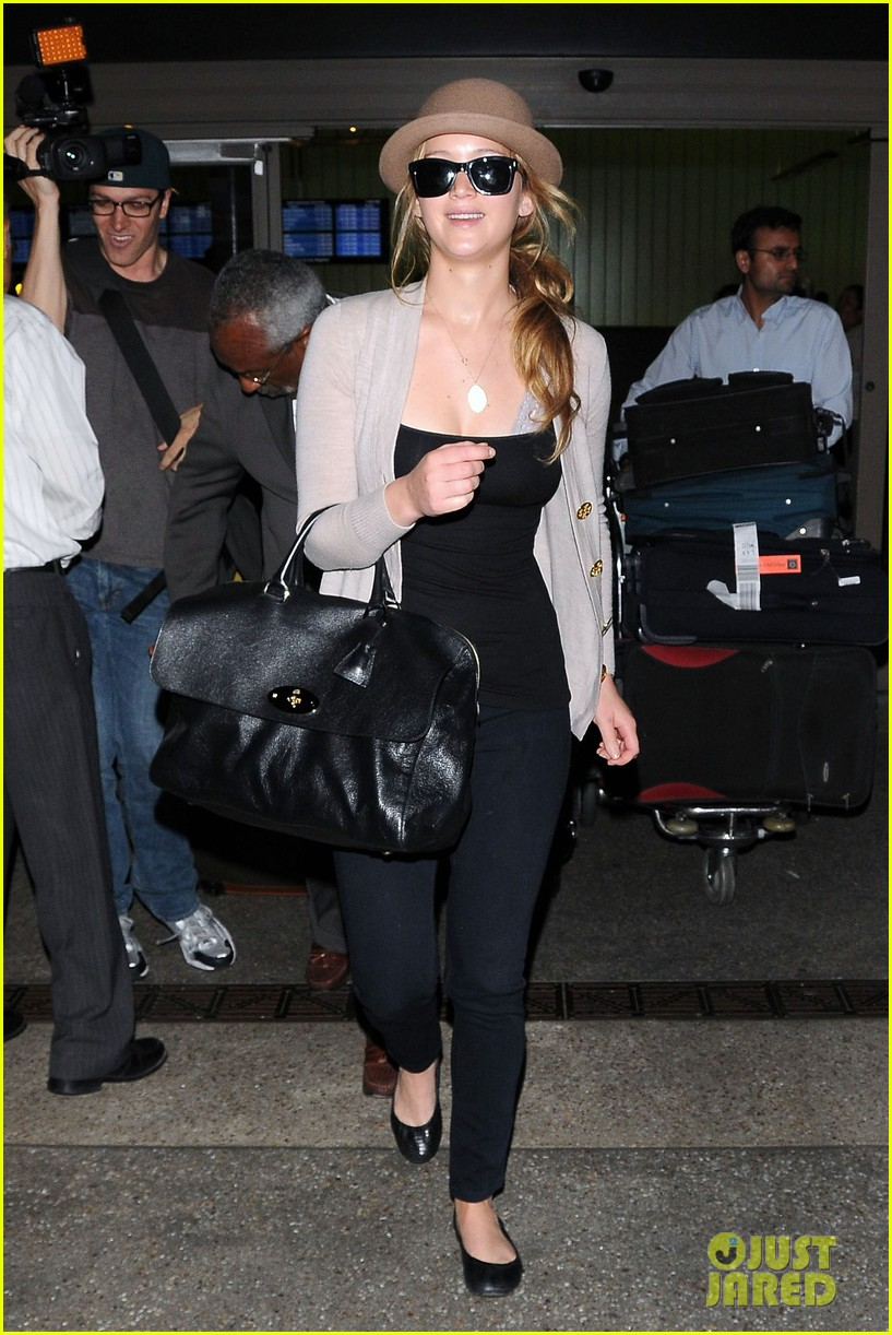 jennifer lawrence lax landing 072672591