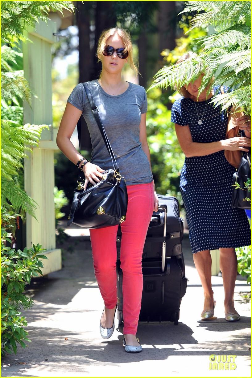 jennifer lawrence luggage 092680957