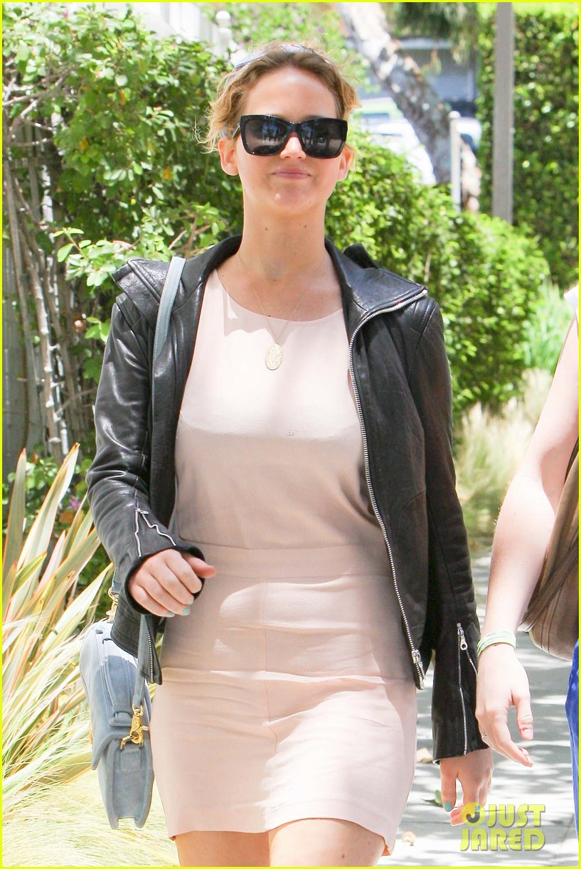 jennifer lawrence sheraton hotel lunch 082678635