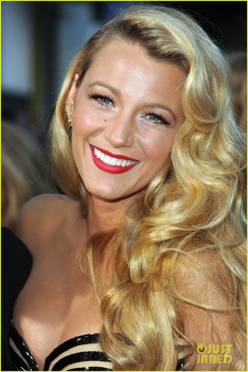 blake lively savages premiere 092679466