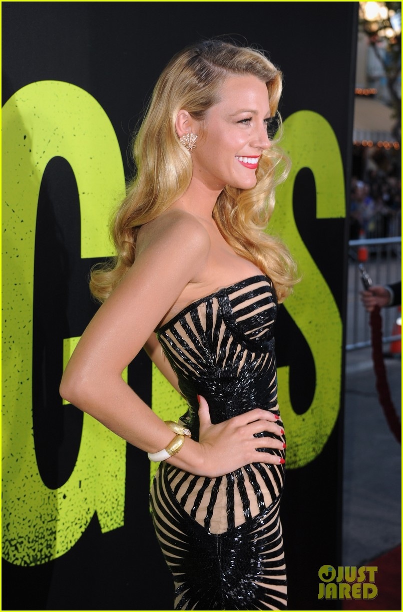 blake lively savages premiere 112679468