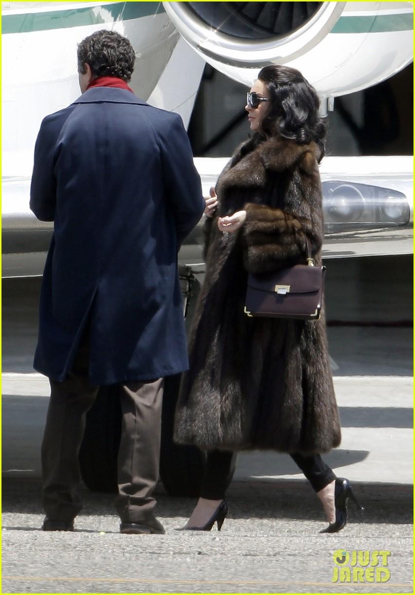 lindsay lohan fur on airplane 062677451