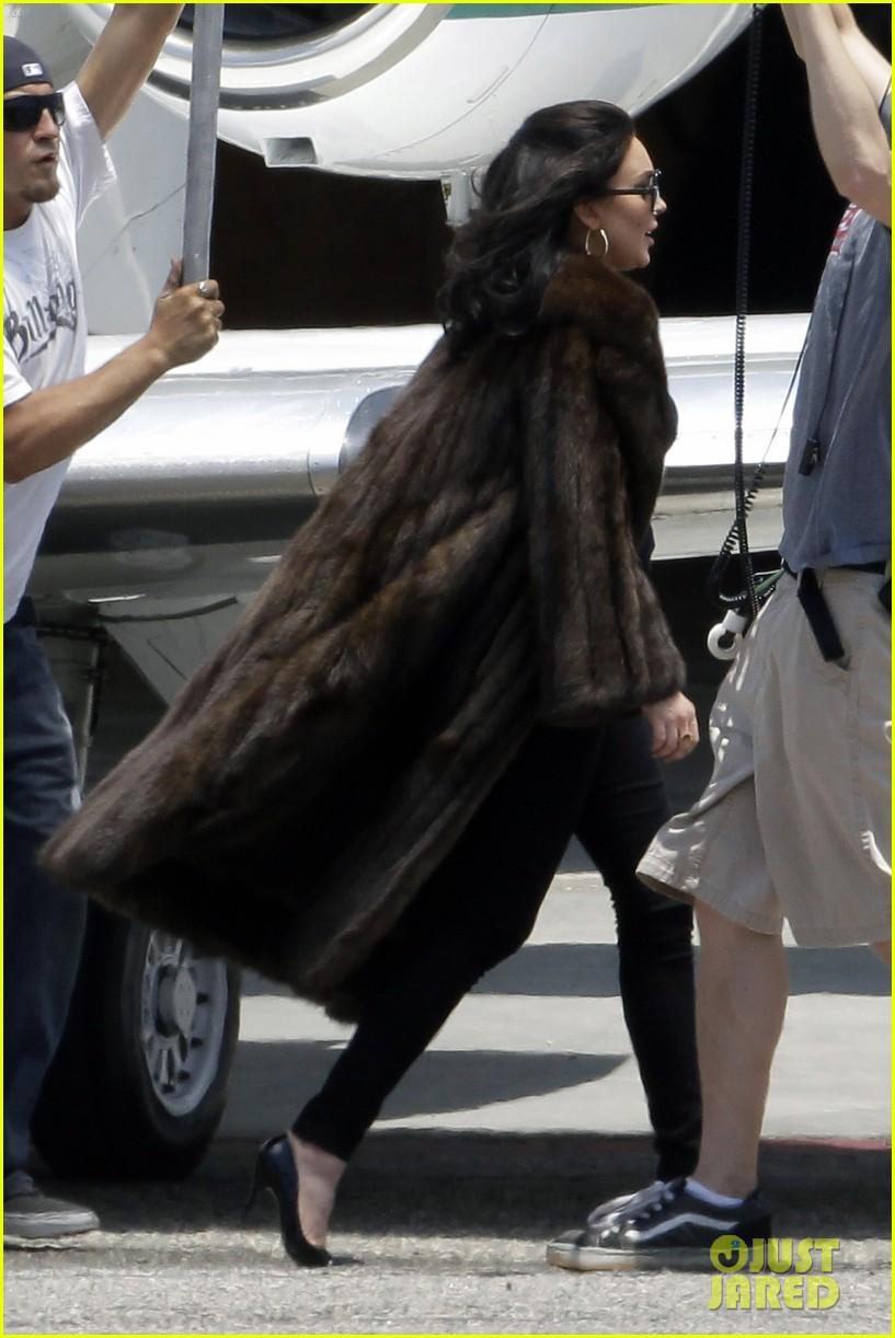 lindsay lohan fur on airplane 072677452