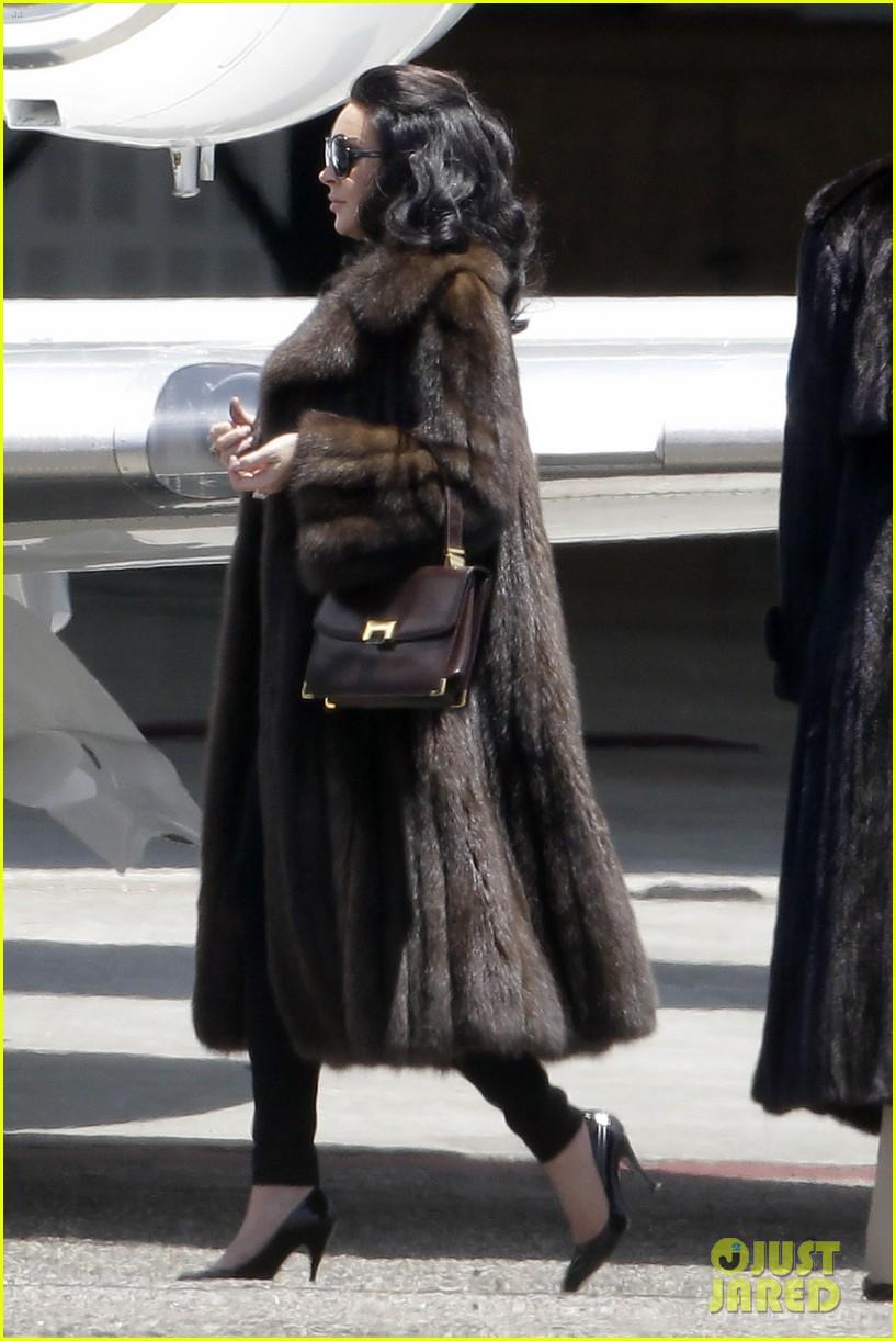 lindsay lohan fur on airplane 152677460