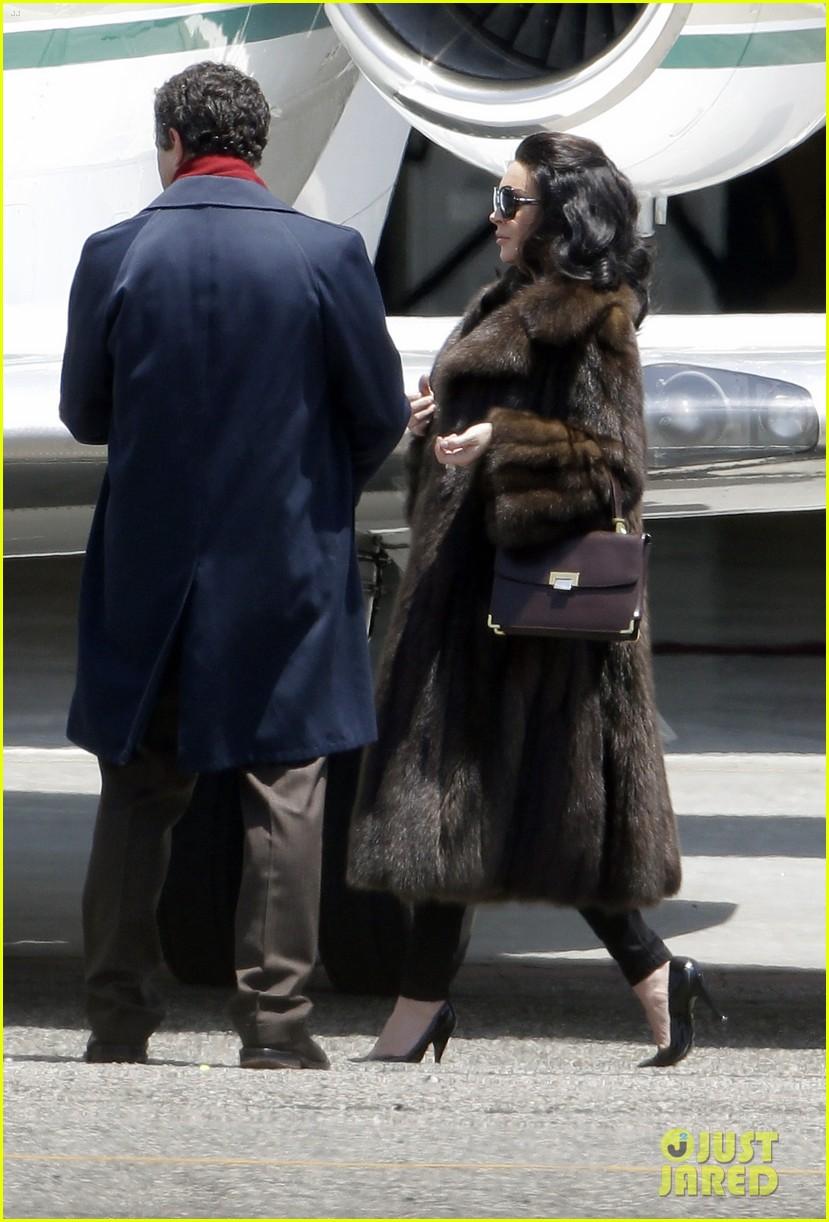 lindsay lohan fur on airplane 162677461