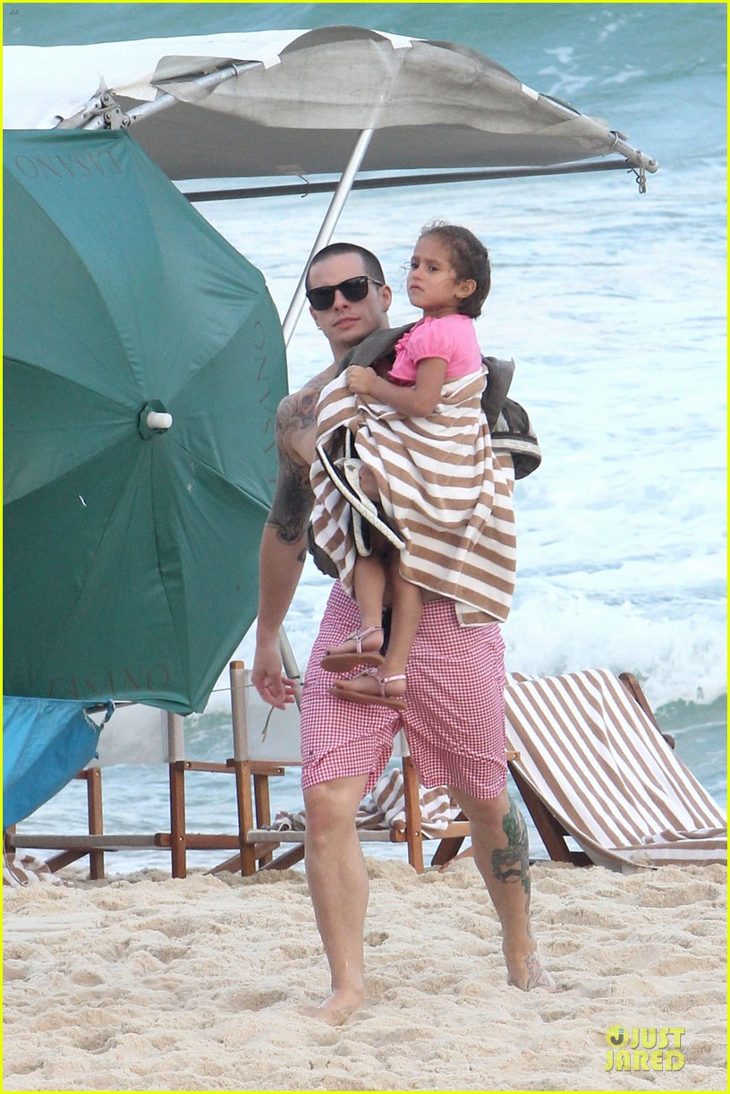 jennifer lopez casper smart beach rio 05
