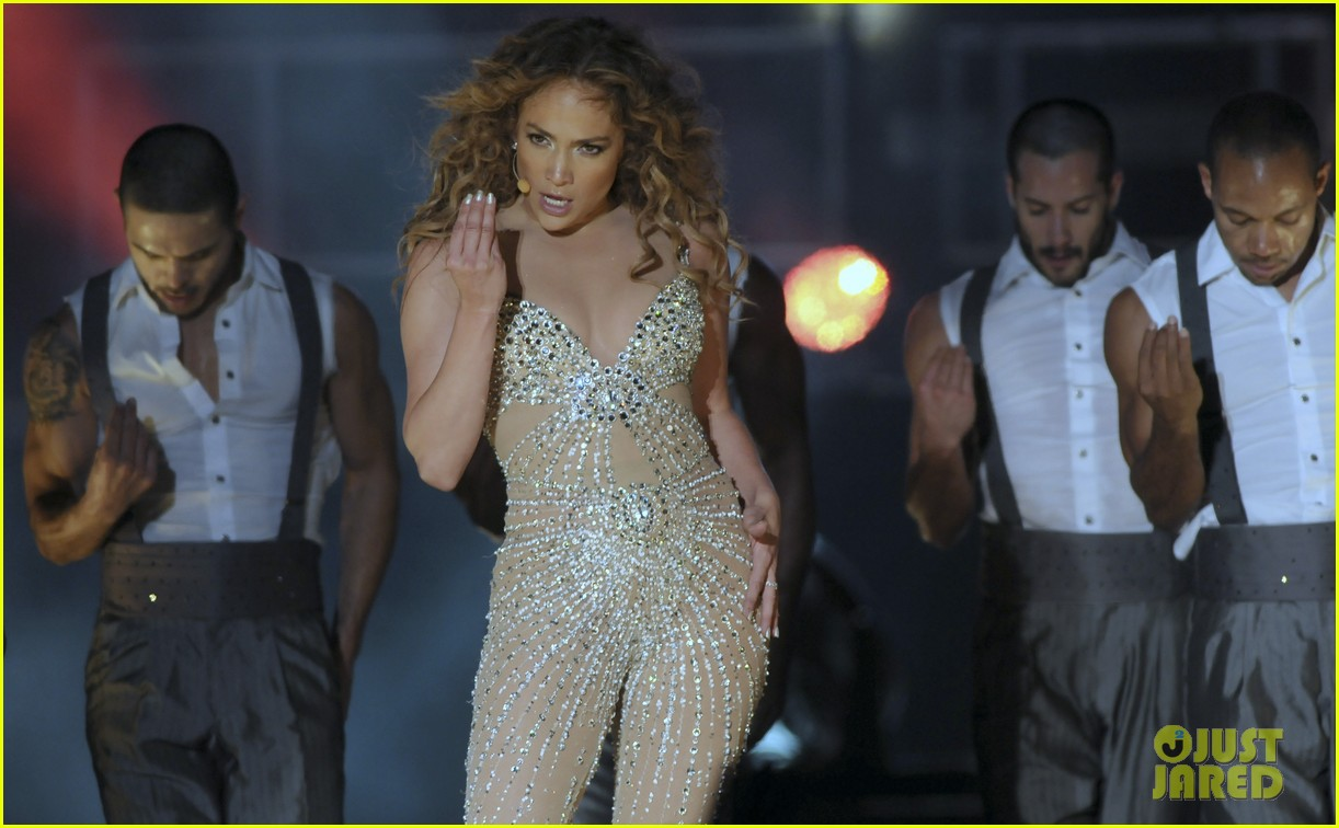 jennifer lopez pop music festival 27