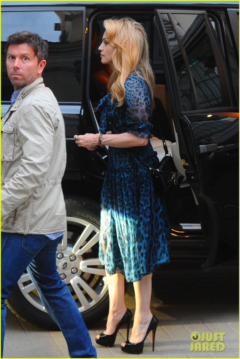 madonna blue dress rome 012673923