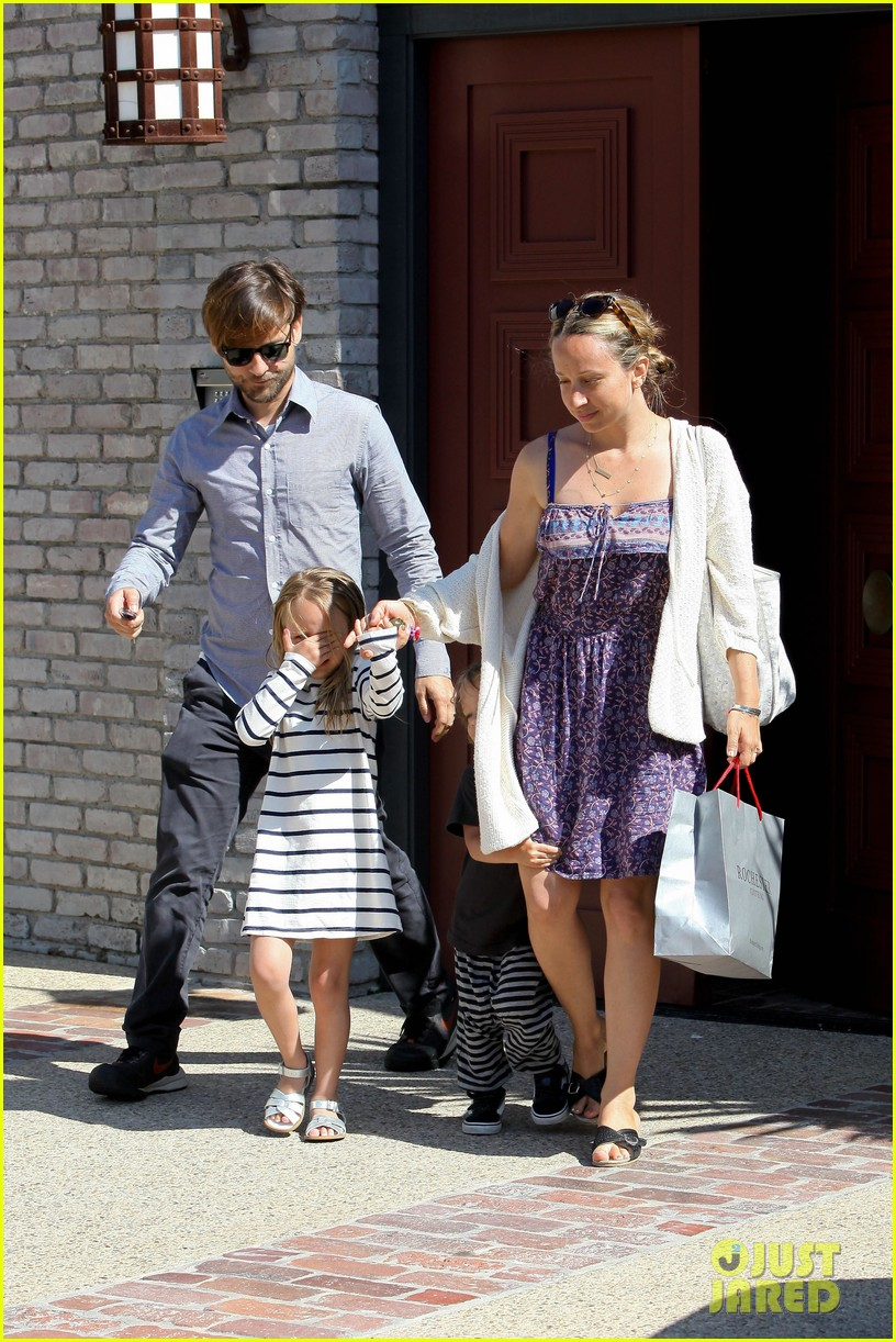 tobey maguire fathers day party 012676964