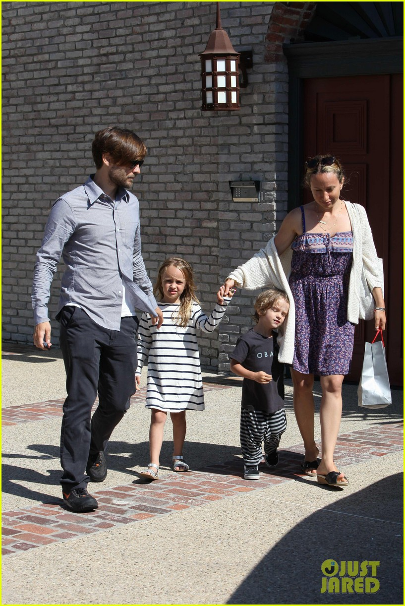 tobey maguire fathers day party 062676969
