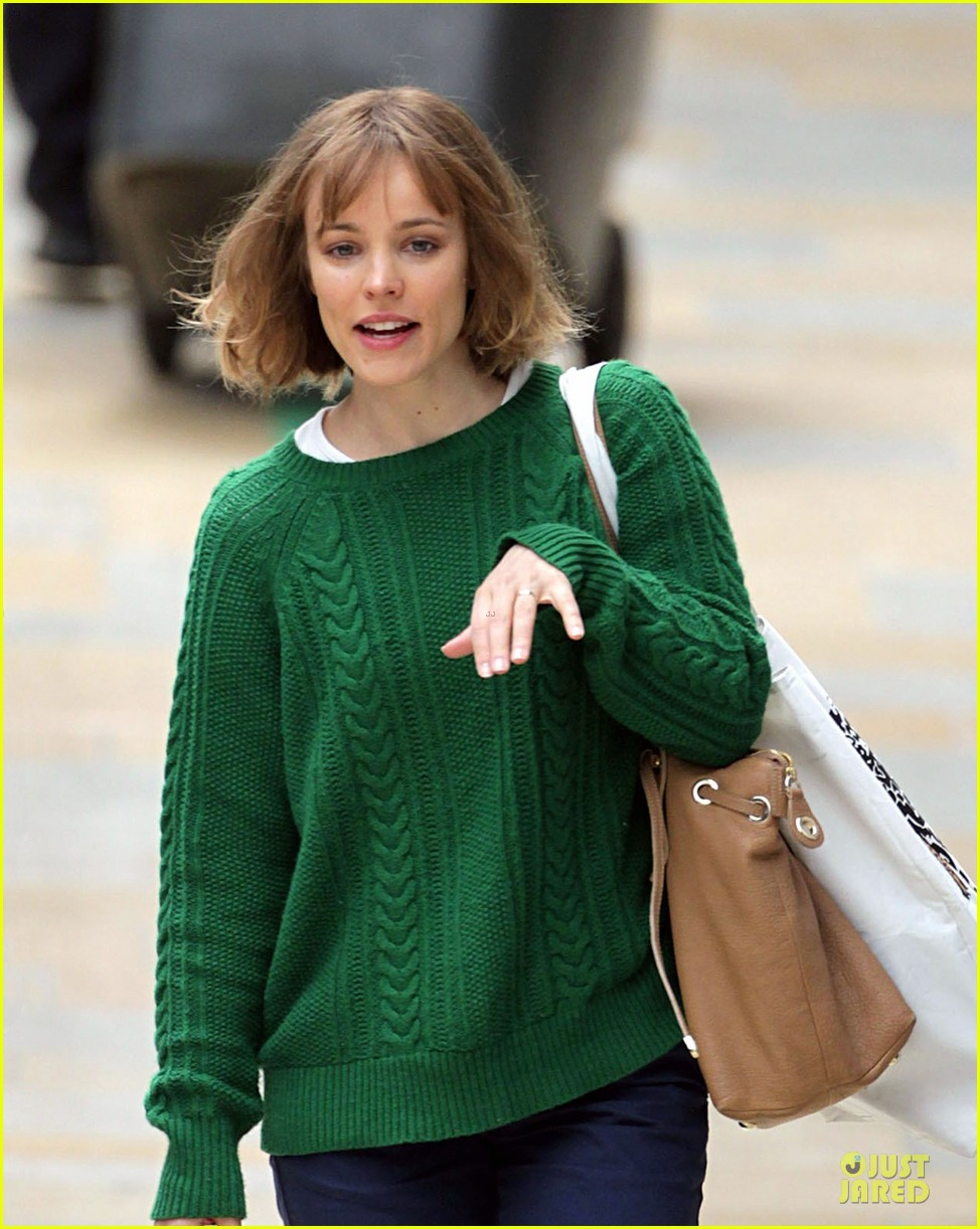 rachel mcadams about time paddington station 03