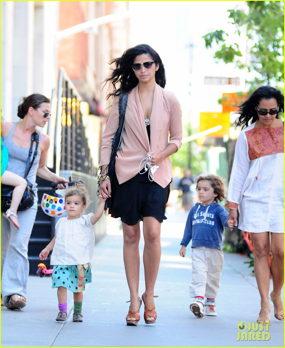 matthew mcconaughey camila alves out and about 042680370