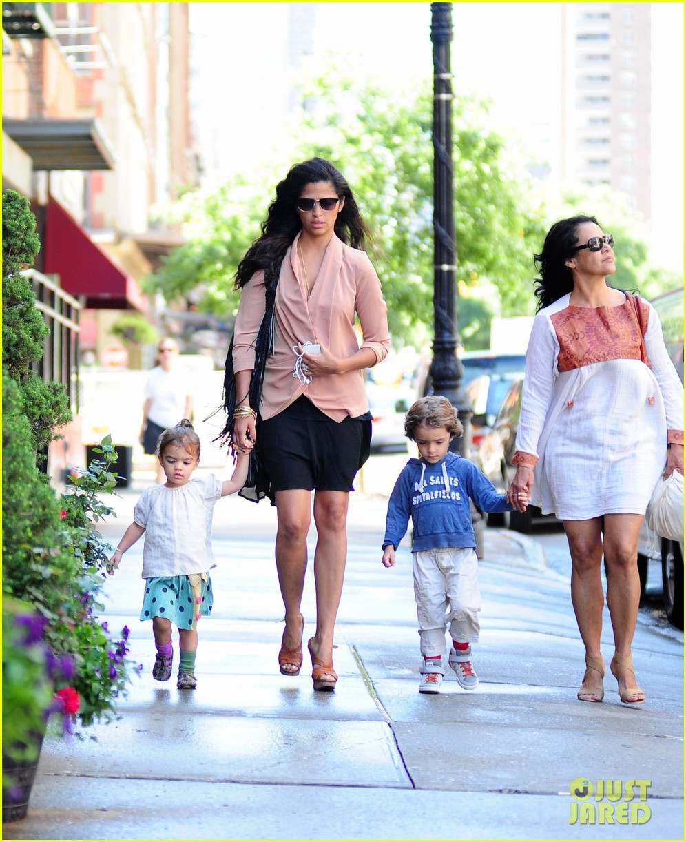 matthew mcconaughey camila alves out and about 062680372
