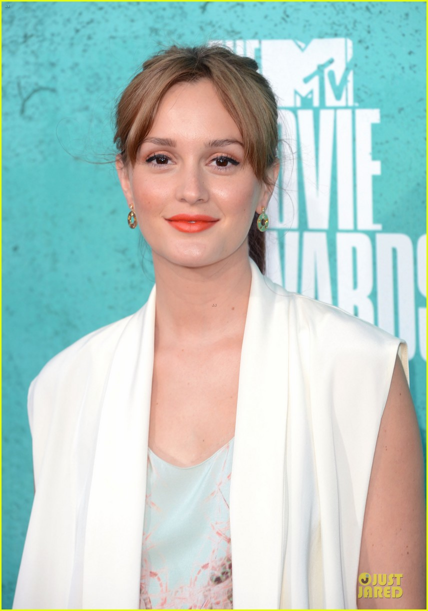 leighton meester mtv movie awards 2012 02