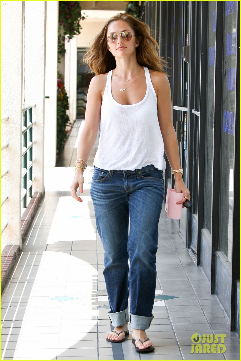 minka kelly busy week 01