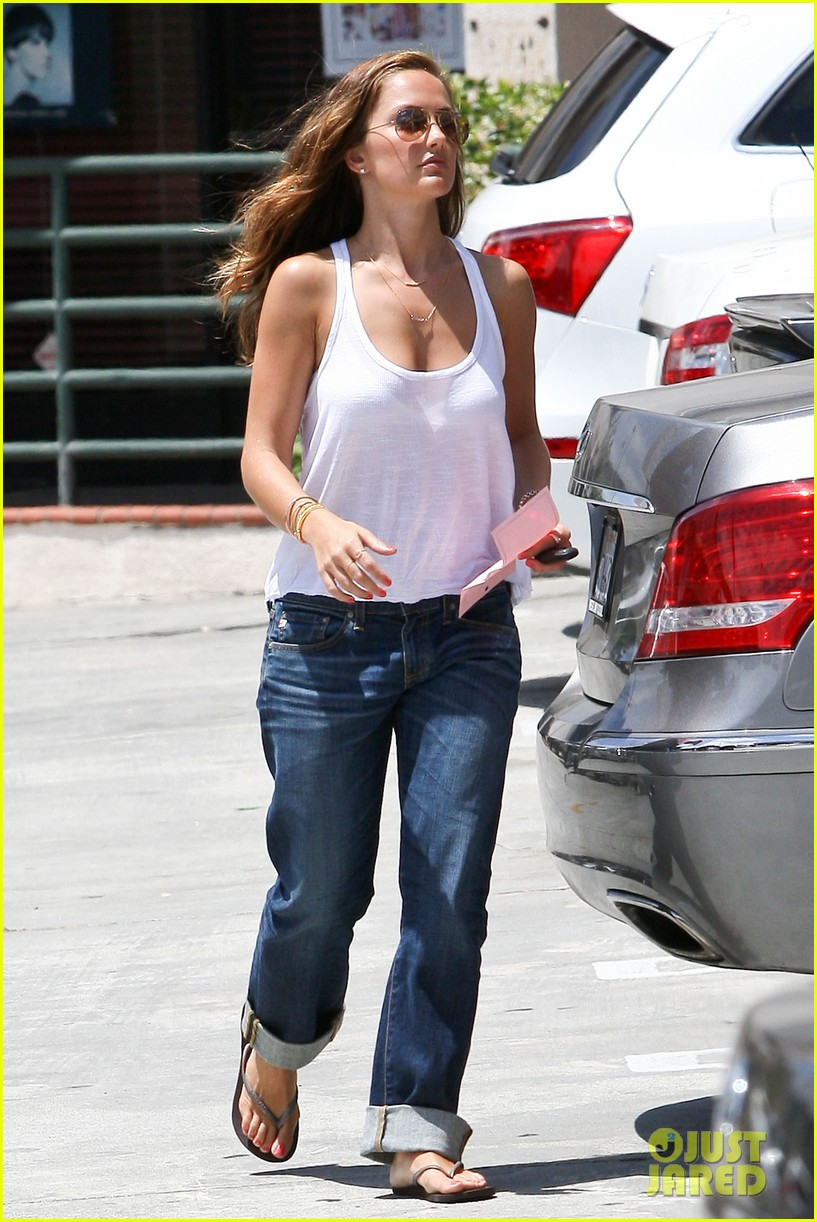 minka kelly busy week 072674672