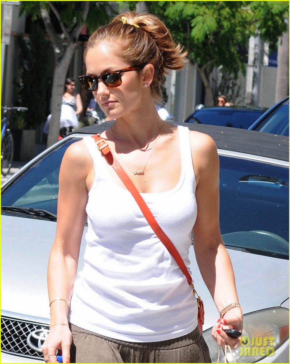 minka kelly m cafe 06