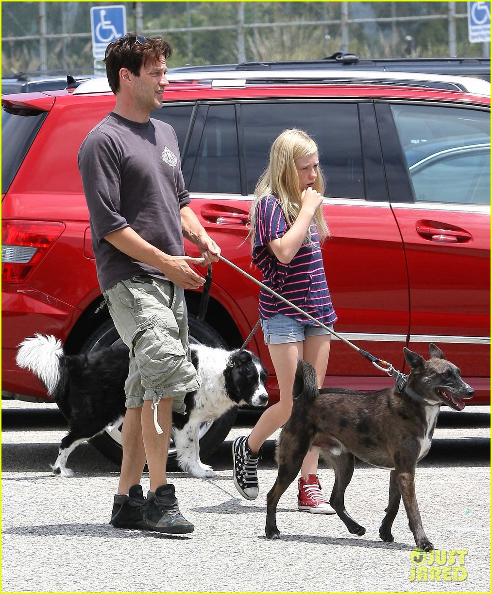 stephen moyer walking dogs with lilac 042669929