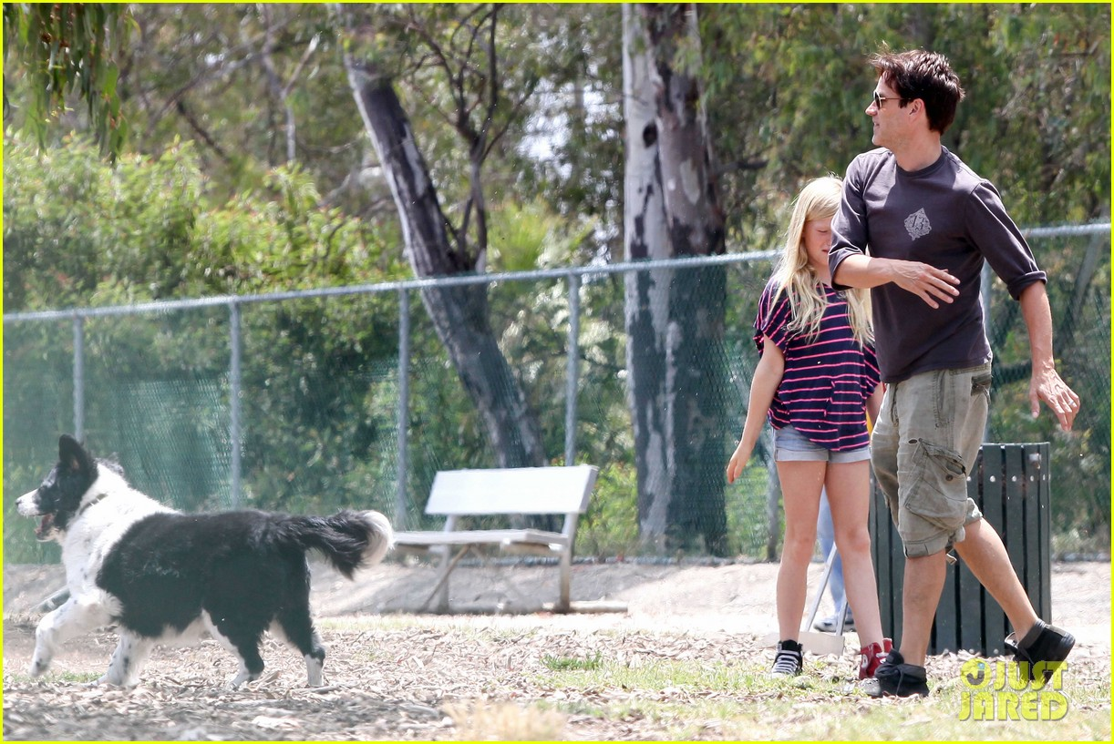 stephen moyer walking dogs with lilac 072669932