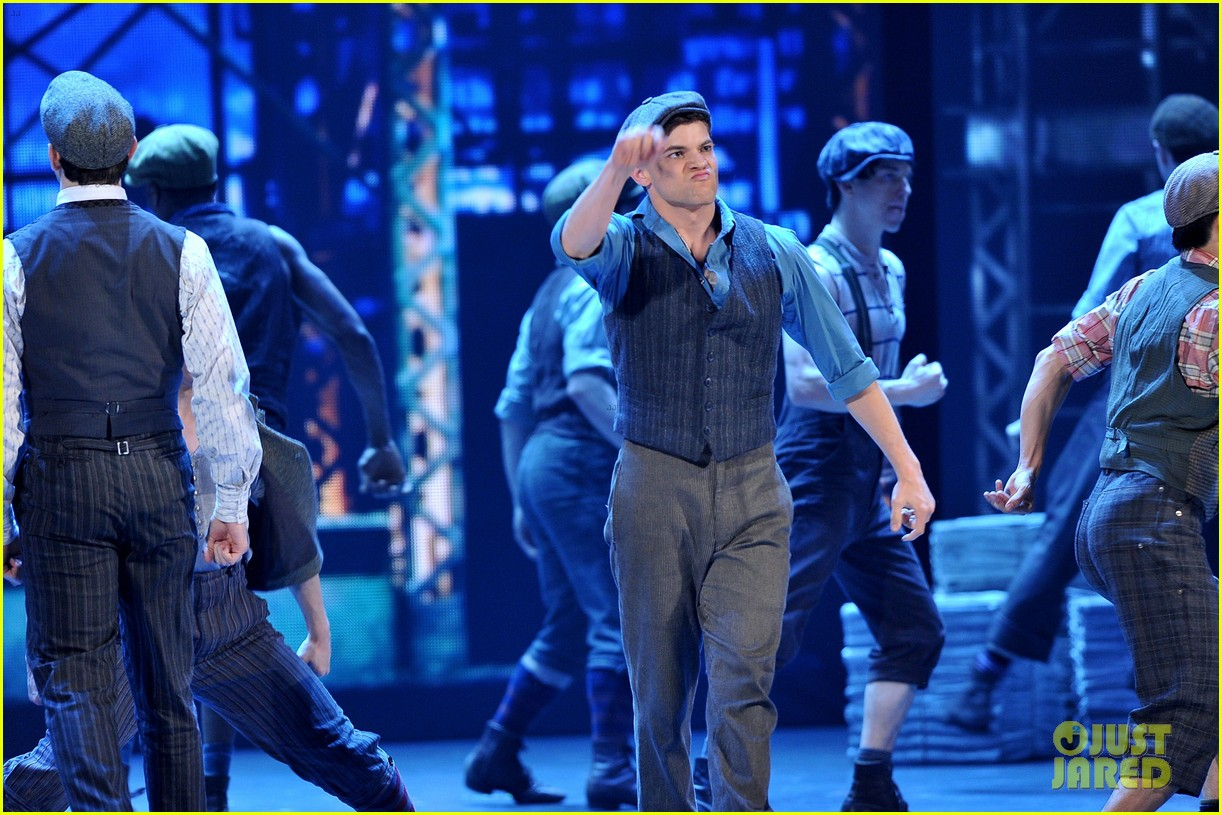 watch broadways newsies perform at tony awards 2012 052673345