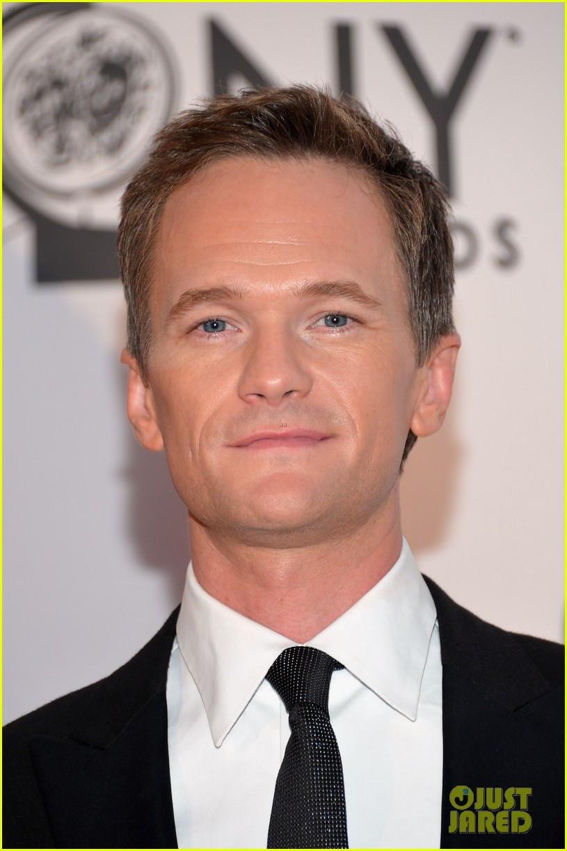 neil patrick harris tony awards 2012 host 022673305