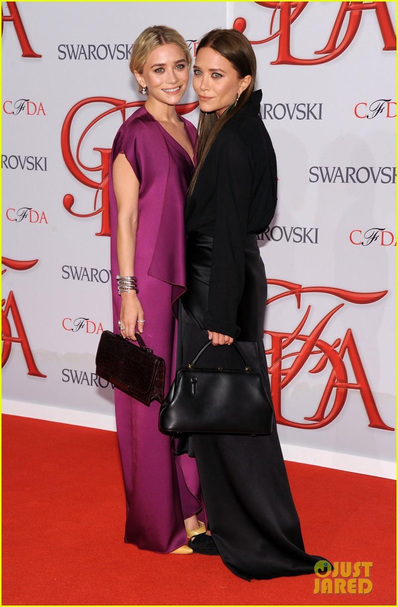 mary kate ashley olsen cfda fashion awards 2012 032670464