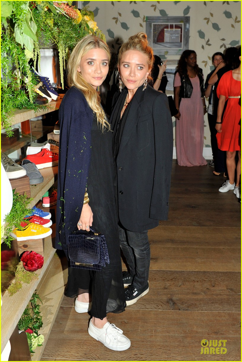 ashley mary kate olsen superga launch 022670328