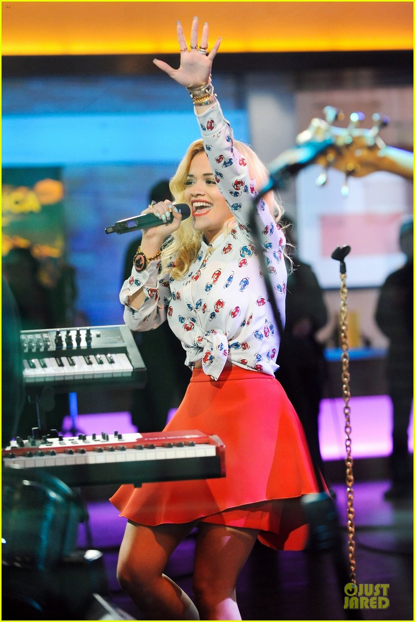 rita ora three outfits gma 02