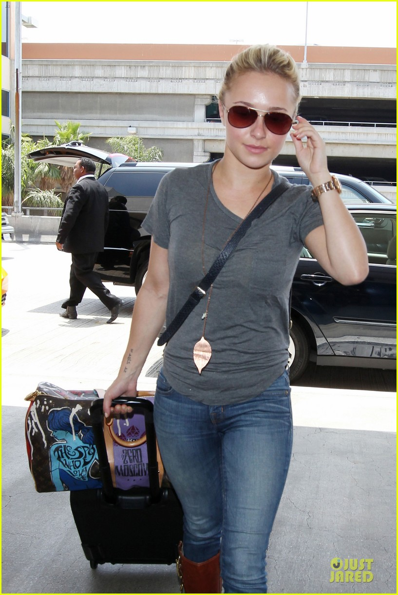 hayden panettiere peace out lax 022678211