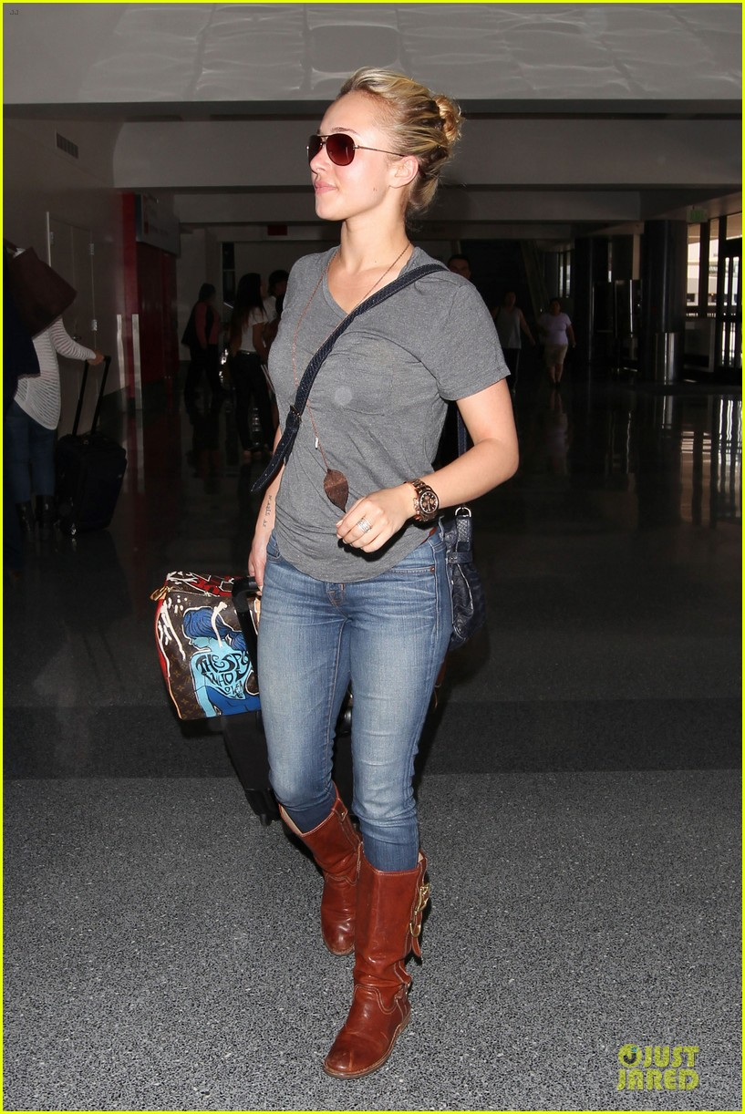 hayden panettiere peace out lax 052678214