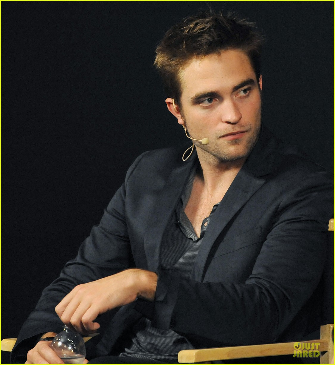 robert pattinson apple qa 072669195