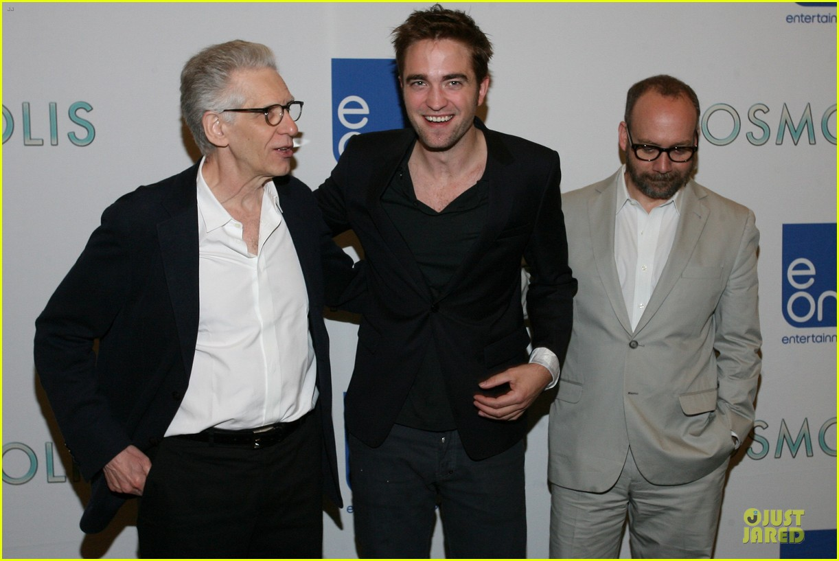 robert pattinson cosmopolis toronto photo call 02