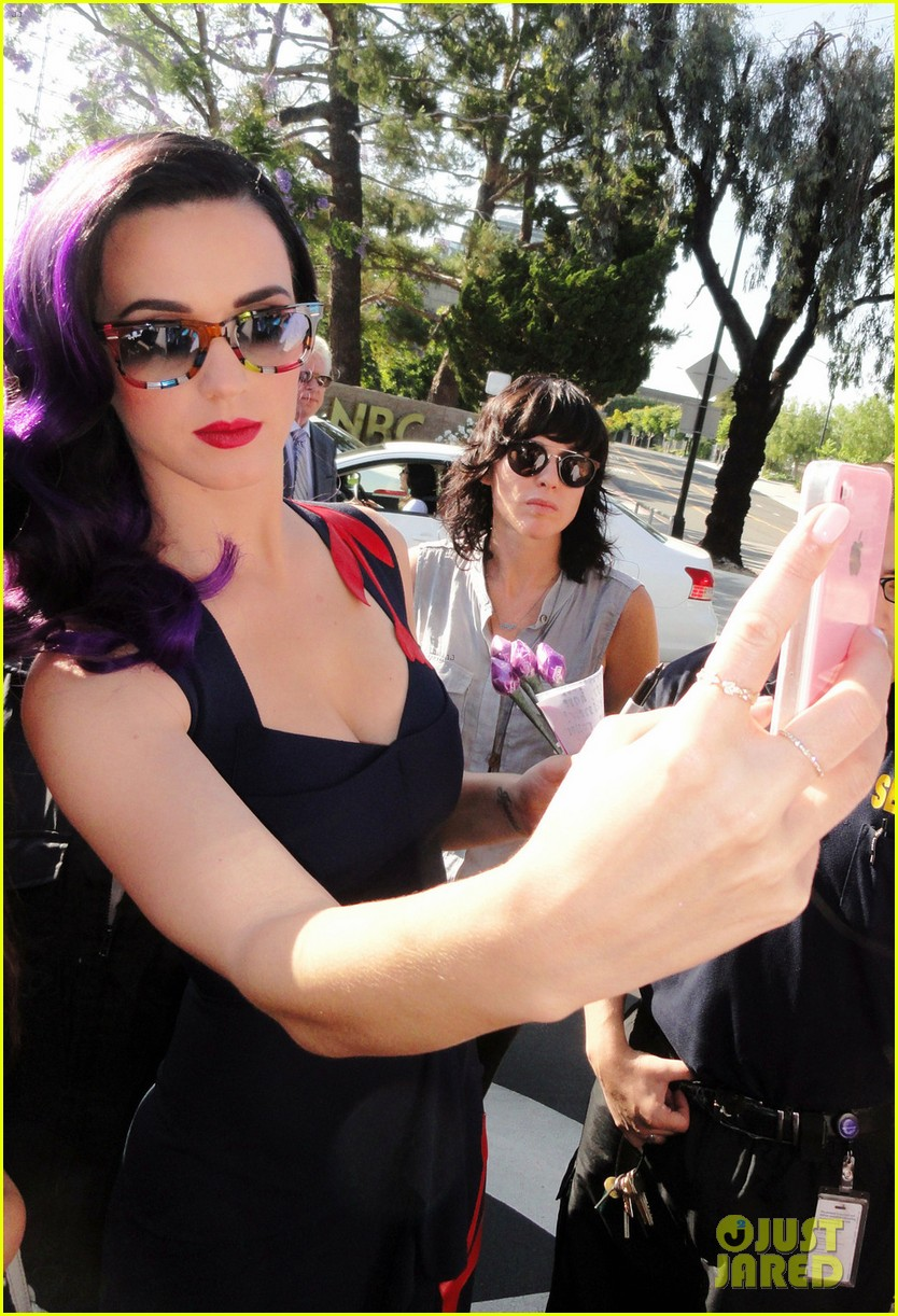 katy perry tonight show with jay leno visit 022678074