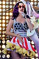 katy perry wide awake performance at part of me premiere 02