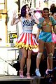 katy perry wide awake performance at part of me premiere 05