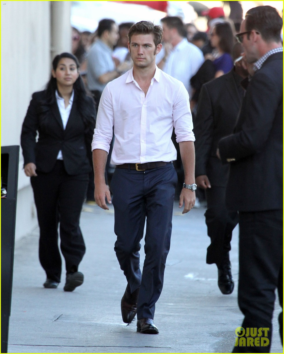 alex pettyfer went to male strip clubs for magic mike 092679959