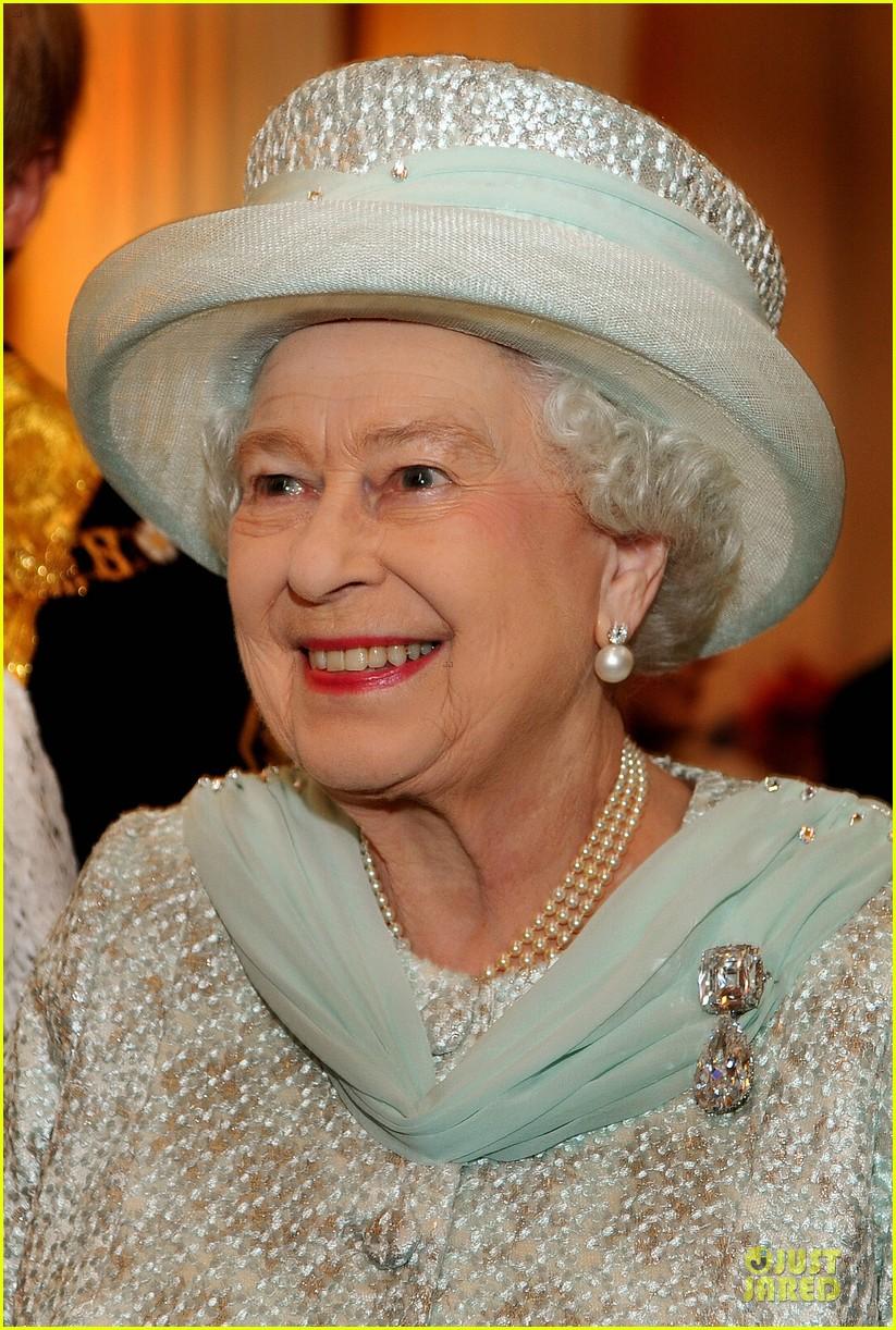 queen thanksgiving service 042670844