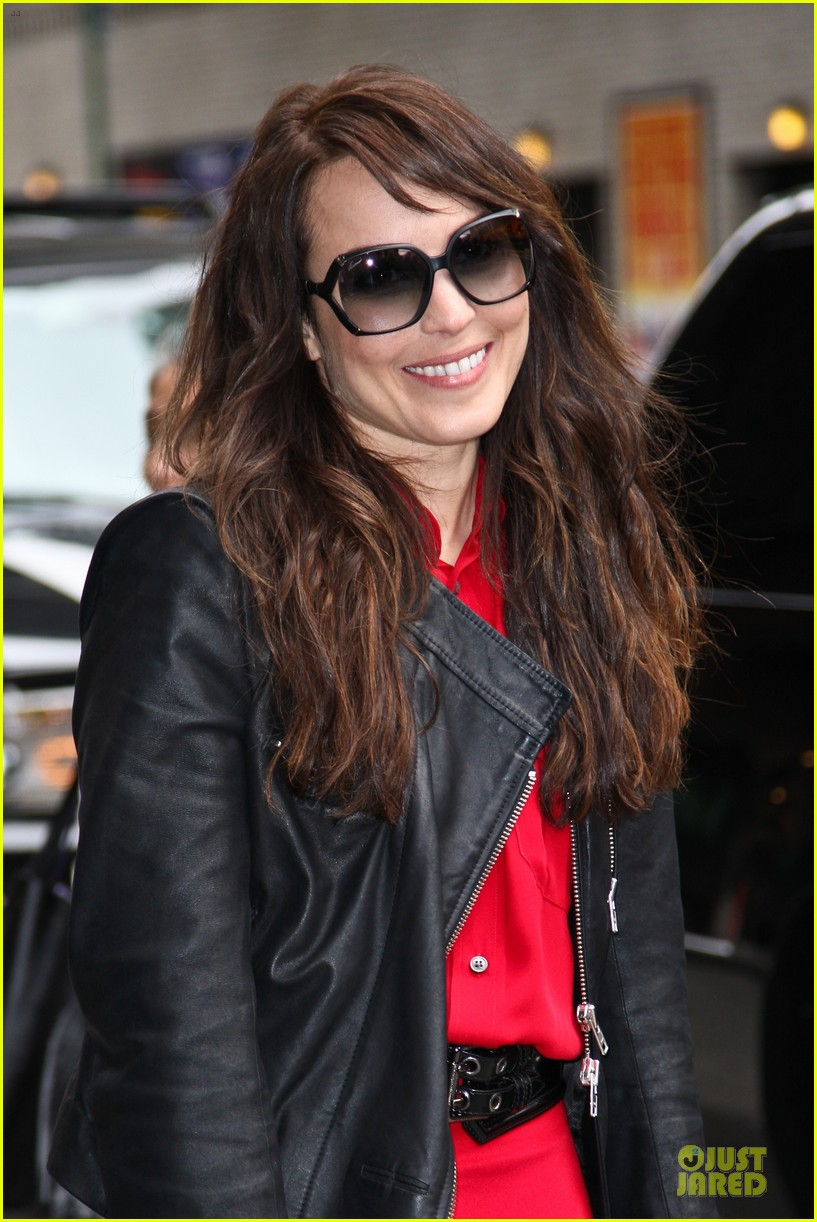 noomi rapace michael fassbender letterman today 02