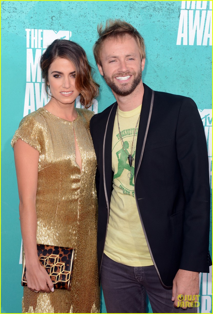 nikki reed paul mcdonald mtv movie awards 2012 052670055